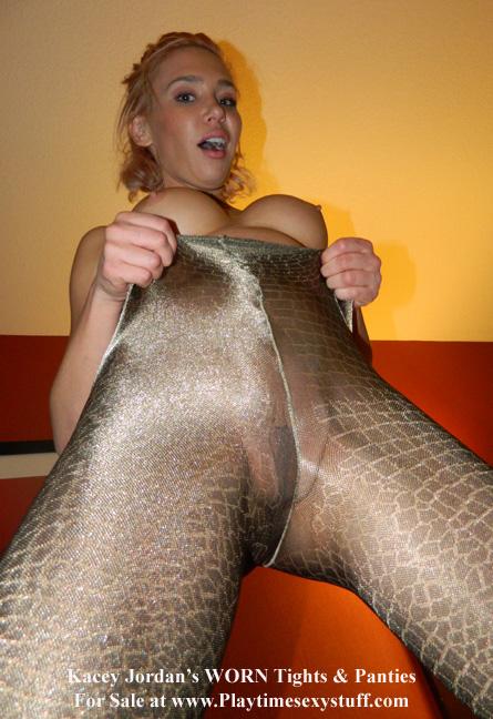 Nude model met art pussy