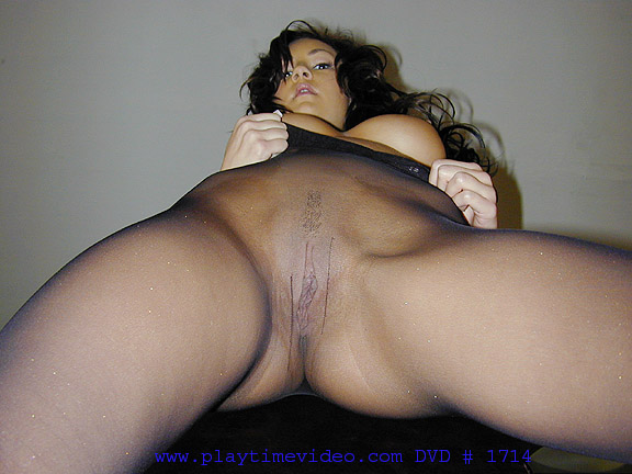 Secretary sucks her boss cock