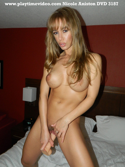 Tormenting pussy of 19 years old angela